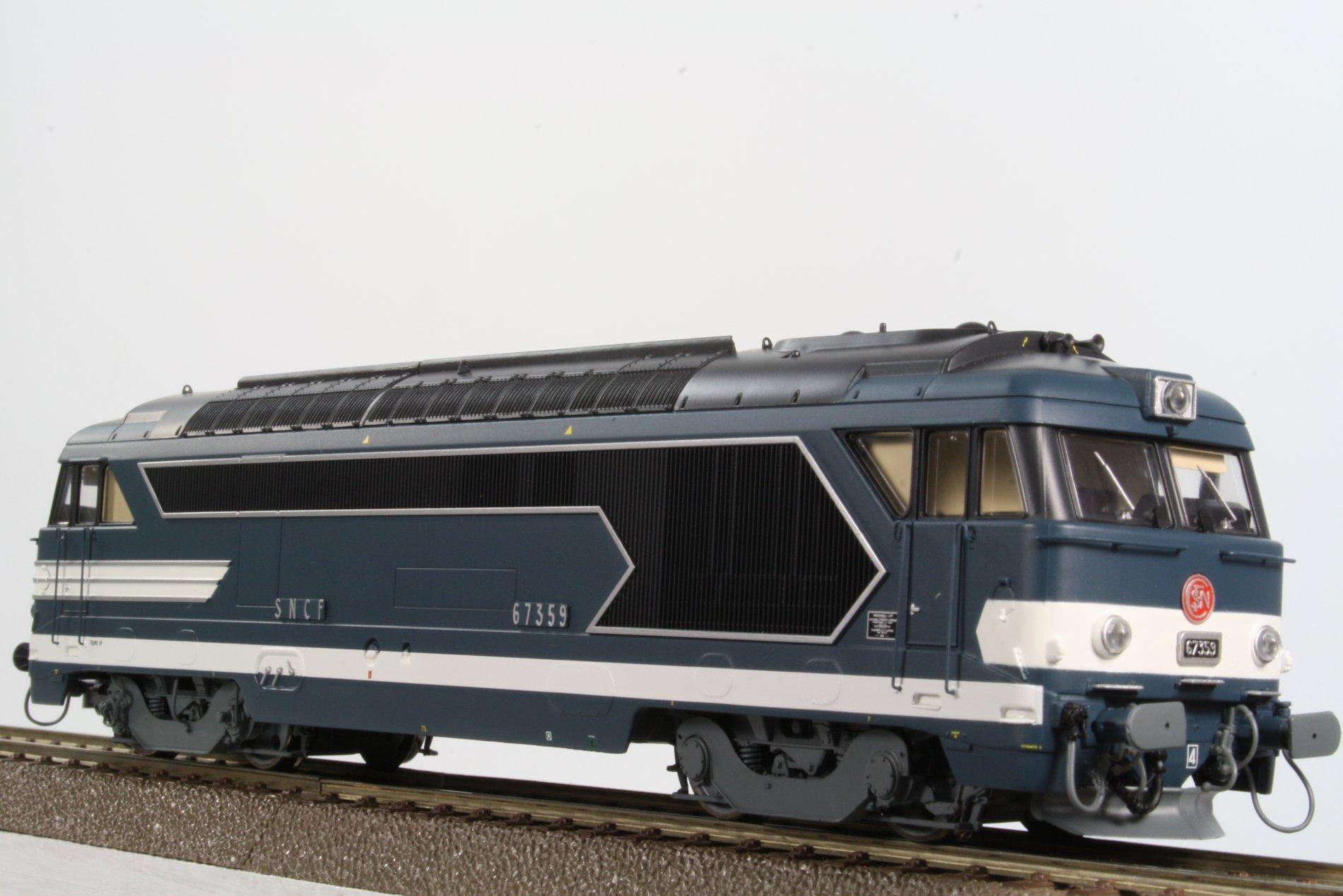 locomotive di sel bb67359 d p t de tours origine digital sound ree modeles ree mb025s. Black Bedroom Furniture Sets. Home Design Ideas