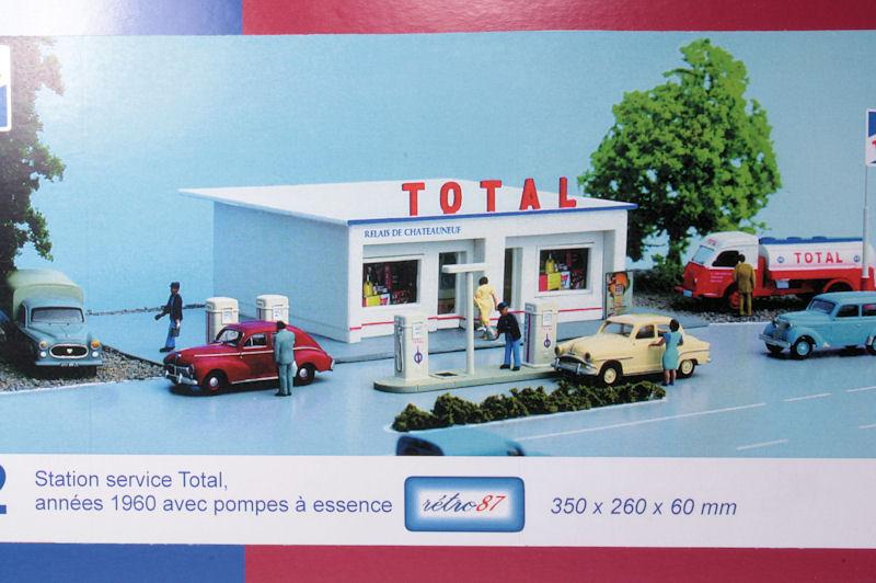 station service total ann es 1960 avec pompes essence sai sai 162 maurienne. Black Bedroom Furniture Sets. Home Design Ideas