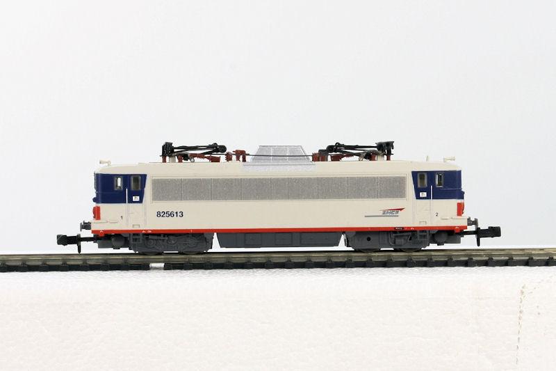 locomotive lectrique bb25613 livr e ile de france piko. Black Bedroom Furniture Sets. Home Design Ideas