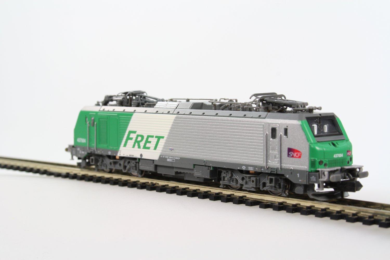 locomotive 233lectrique bb437004 fret sncf logo carmillon