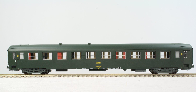 voiture uic epiv vert logo jaune encadr233 sncf reemodeles